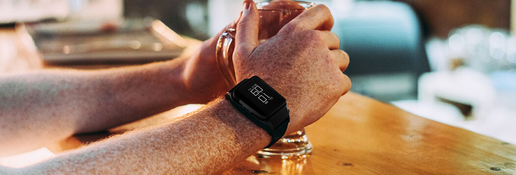 Design - Uwell Amulet - elektronická cigareta - hodinky